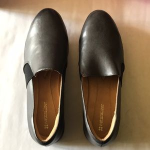 naturalized shoes. Grey. S8.5W. Brand new in box.
